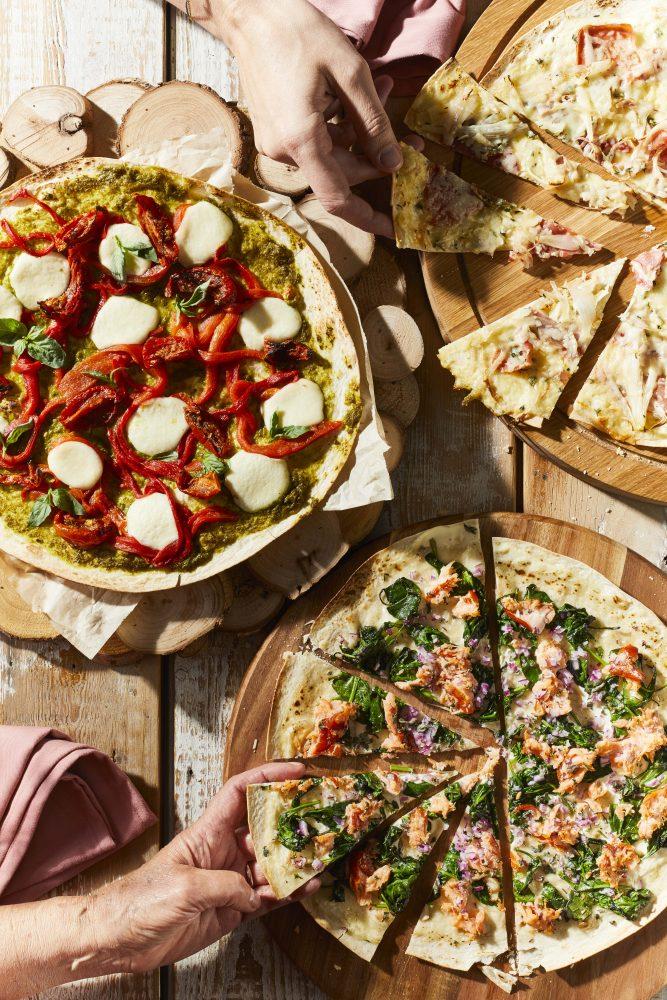 flammkuchen-met-gegrilde-paprika-en-mozzarella thumbnail